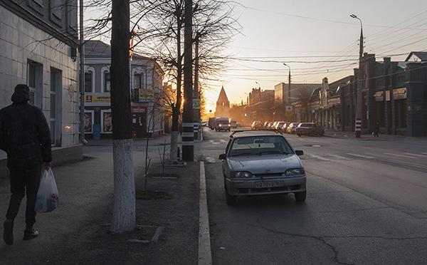 Улица Советская в закатных лучах солнца, Сызрань